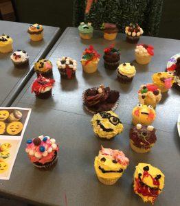 Cupcake Wars: Emoji Cupcake 2